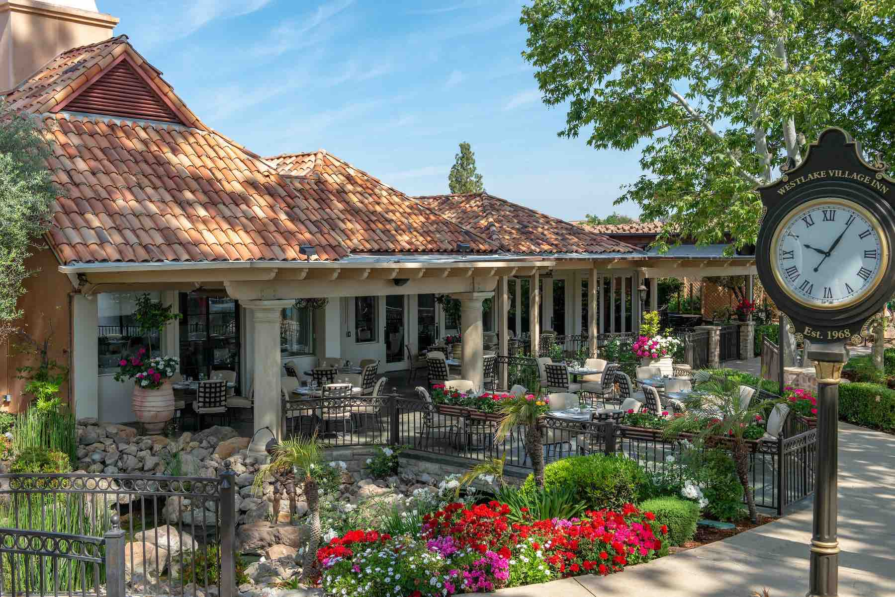 StoneHaus Westlake Village Inn outdoor patio at one ofm the best Westlake Village restaurants